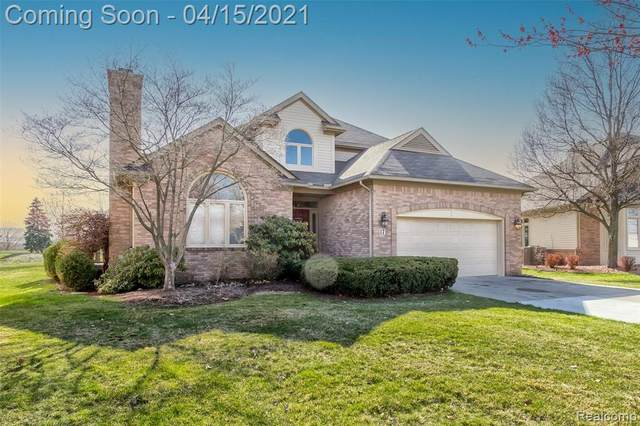 17 Turnberry Lane, Dearborn, MI 48120 (MLS #2210024298) :: The John Wentworth Group