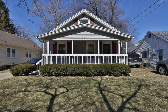 557 Denver Street, Lansing, MI 48910 (#2210024311) :: Duneske Real Estate Advisors