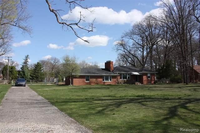 33100 Schoolcraft Road, Livonia, MI 48150 (#2210024315) :: GK Real Estate Team