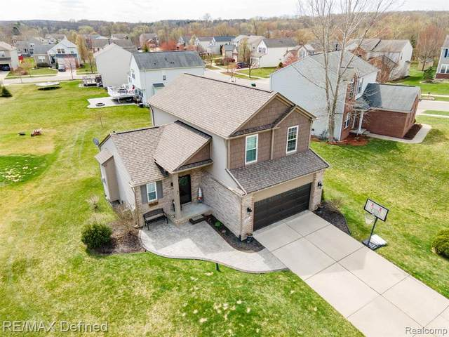 887 Canyon Creek Drive, Holly Twp, MI 48442 (MLS #2210024392) :: The John Wentworth Group