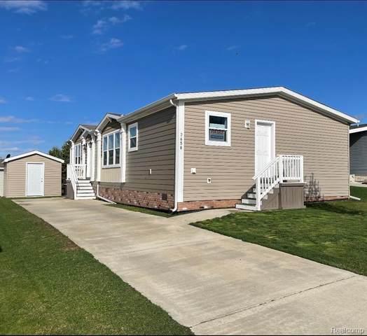 3658 Crystal Ridge Drive, Milford Twp, MI 48380 (#2210024466) :: Duneske Real Estate Advisors