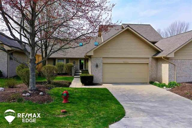 8036 Pepperwood Dr, Grand Blanc Twp, MI 48439 (MLS #5050038551) :: The John Wentworth Group