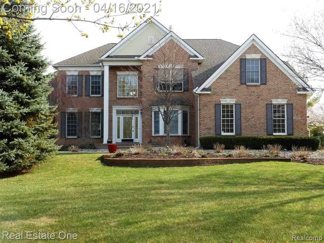 1570 Boulder Lake Drive, Milford Twp, MI 48380 (#2210024556) :: GK Real Estate Team