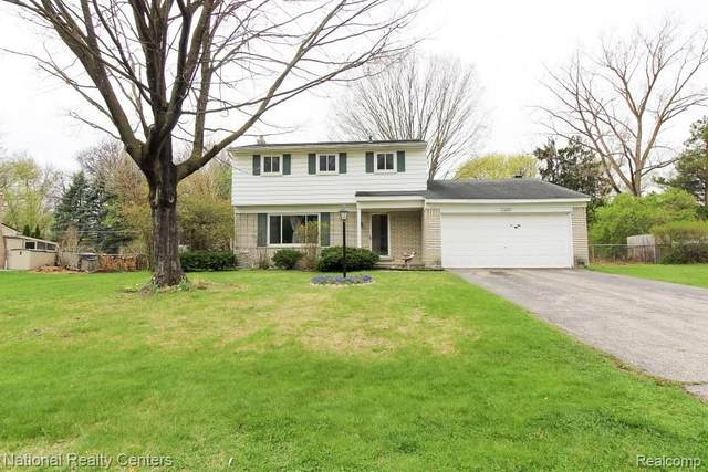 23699 Willowbrook, Novi, MI 48375 (#2210025028) :: Duneske Real Estate Advisors