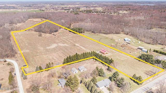 10195 10 Mile Road NE, Oakfield Twp, MI 49341 (MLS #65021011839) :: The John Wentworth Group