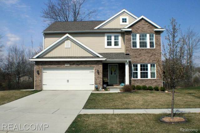 718 Autumn Valley Drive, Brandon Twp, MI 48462 (#2210025377) :: Real Estate For A CAUSE