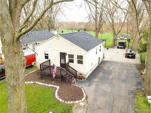 1896 Spaulding Road, Frenchtown Twp, MI 48162 (#2210025454) :: Real Estate For A CAUSE
