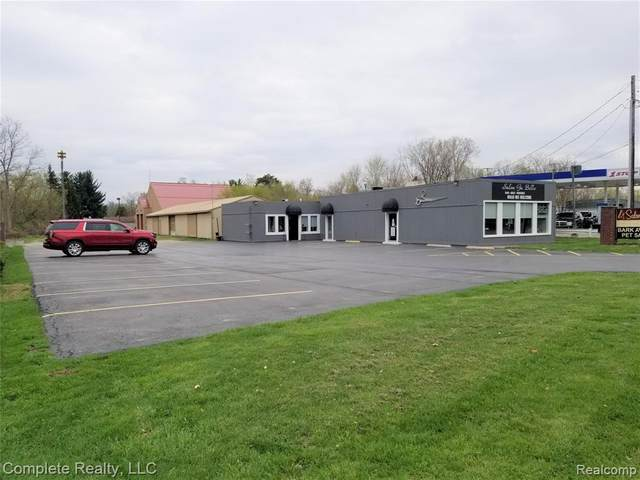 5220 Richfield Rd Road, Flint, MI 48506 (#2210025716) :: Real Estate For A CAUSE