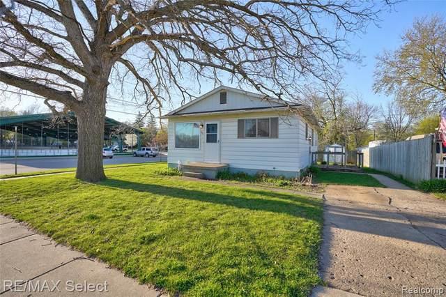 101 E Naldrette Street, Durand, MI 48429 (#2210025813) :: The Alex Nugent Team | Real Estate One