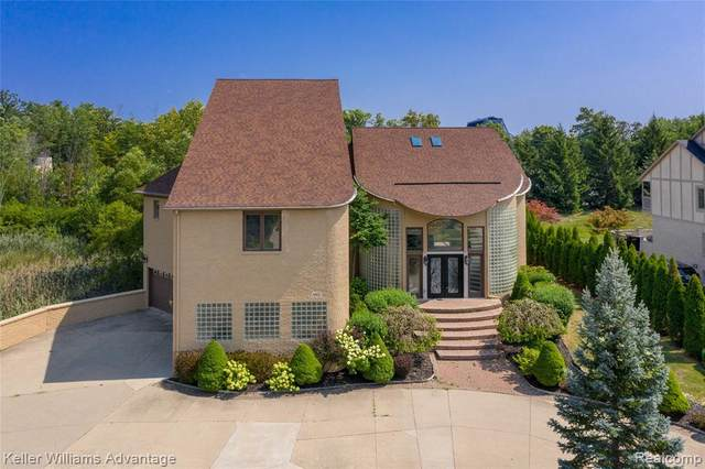 6421 Golden Lane, West Bloomfield Twp, MI 48322 (#2210025863) :: RE/MAX Nexus