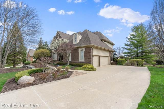 5671 Kirkridge Trail, Oakland Twp, MI 48306 (#2210025881) :: The Alex Nugent Team | Real Estate One