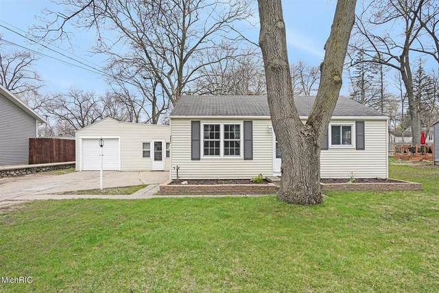 3631 Miramar Avenue NE, PLAINFIELD TWP, MI 49525 (#65021012302) :: Duneske Real Estate Advisors