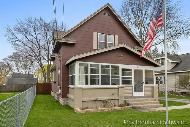 912 Cogswell Street NW, Grand Rapids Twp, MI 49544 (#65021012445) :: The Merrie Johnson Team
