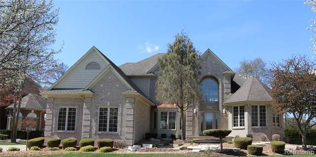 54407 Woodcreek Boulevard, Shelby Twp, MI 48315 (#2210026210) :: Real Estate For A CAUSE