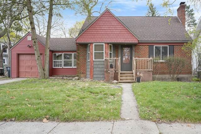 440 Elmwood Street NE, Grand Rapids, MI 49505 (#71021012495) :: The Merrie Johnson Team