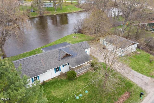 8664 S River Road, Evart Twp, MI 49631 (#72021012503) :: Real Estate For A CAUSE
