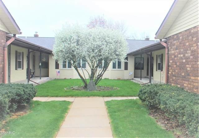 7326 Pine Grove Drive, Georgetown Twp, MI 49428 (#65021012562) :: Keller Williams West Bloomfield