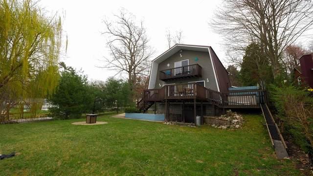 4084 Wilson Beach Road, Cedar Creek Twp, MI 49457 (#71021012560) :: Robert E Smith Realty