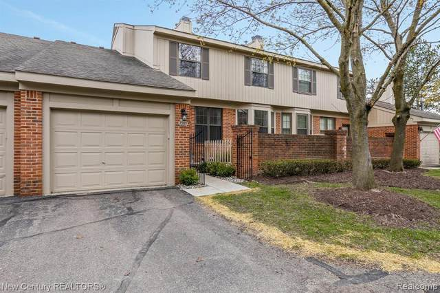 7289 Westchester, West Bloomfield Twp, MI 48322 (#2210026341) :: The Alex Nugent Team | Real Estate One