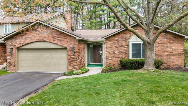 5580 N Adams Way, Bloomfield Twp, MI 48302 (#2210026373) :: Keller Williams West Bloomfield