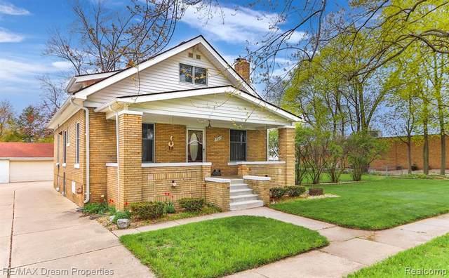 19019 Shadyside Street, Livonia, MI 48152 (#2210026615) :: GK Real Estate Team