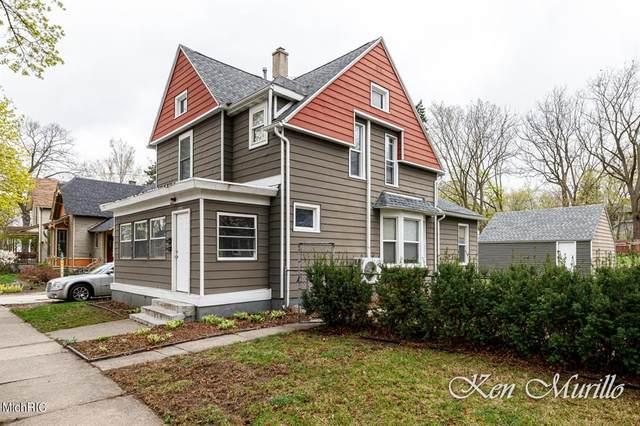 1556 Queen Avenue NE, Grand Rapids, MI 49505 (#65021012735) :: GK Real Estate Team