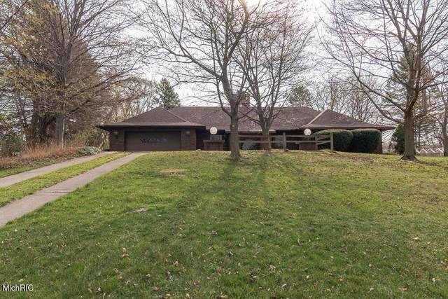 68681 M 51, Paw Paw Twp, MI 49079 (#66021012768) :: Robert E Smith Realty