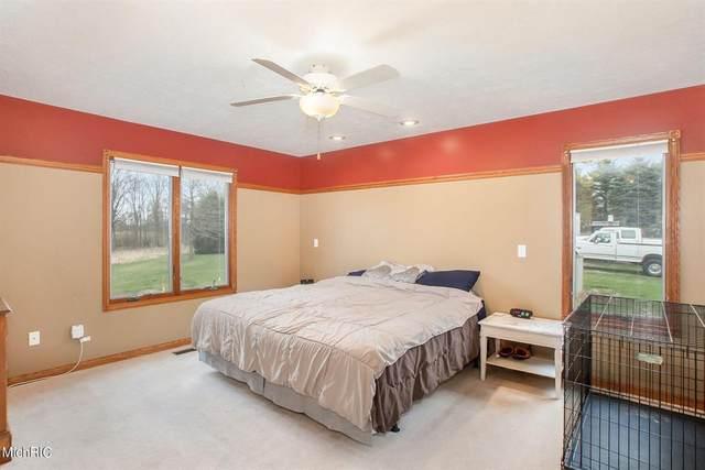 2856 Hillside Drive, Walton Twp, MI 49076 (#64021012765) :: Real Estate For A CAUSE