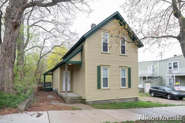 446 Eureka Avenue SE, Grand Rapids, MI 49506 (#65021012784) :: GK Real Estate Team