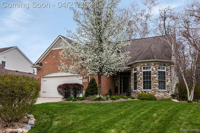 324 Pinecliff Court, Waterford Twp, MI 48327 (#2210026738) :: The Alex Nugent Team | Real Estate One