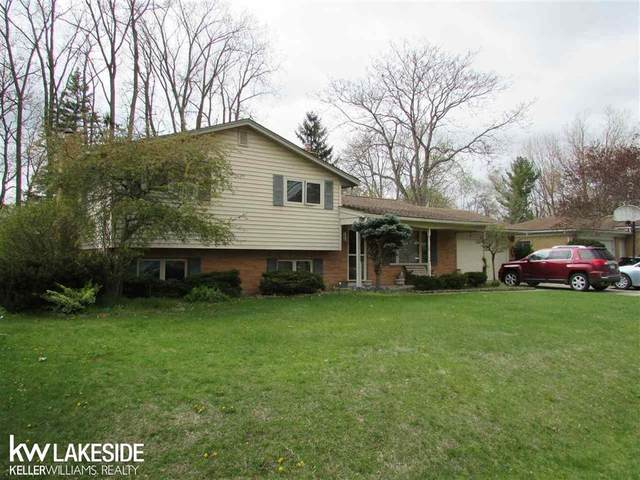 53159 Brookfield, Shelby Twp, MI 48316 (#58050039166) :: The Alex Nugent Team | Real Estate One