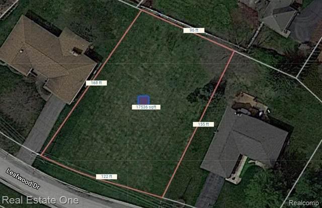 000 Leafwood, Commerce Twp, MI 48382 (#2210026813) :: The Alex Nugent Team | Real Estate One