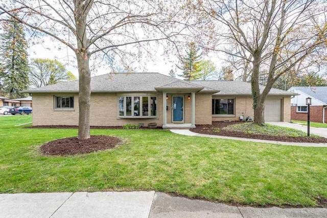 1115 S Grinnell, CITY OF JACKSON, MI 49203 (#55202100986) :: Robert E Smith Realty