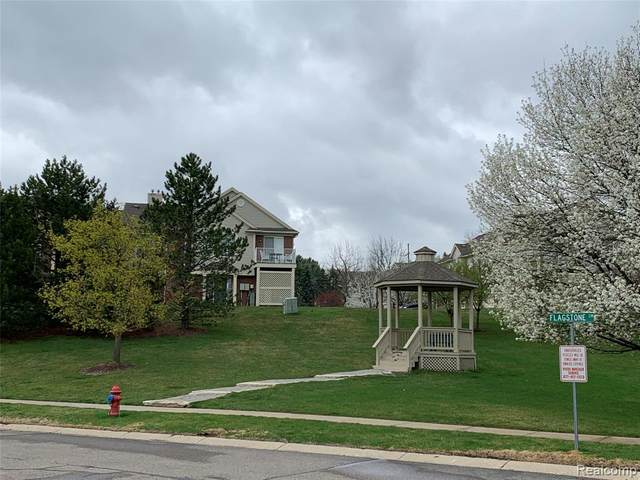 1857 Flagstone Circle, Rochester, MI 48307 (#2210027063) :: Keller Williams West Bloomfield