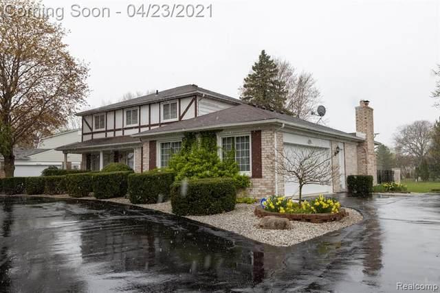17635 Wayne Road, Livonia, MI 48152 (#2210027493) :: Novak & Associates