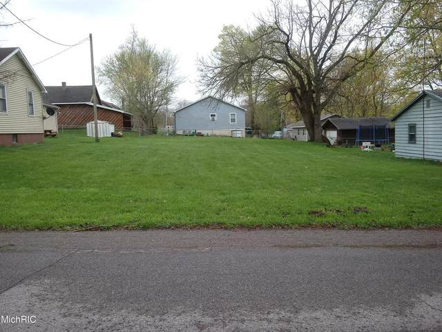 514 Gray Street, Dowagiac, MI 49047 (#69021013126) :: Real Estate For A CAUSE