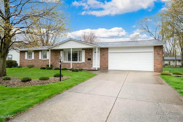 502 Myra Lane, Holland Twp, MI 49424 (#65021013224) :: RE/MAX Nexus