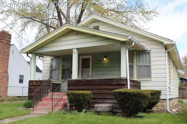 944 Clinton St, Flint, MI 48507 (#5050039480) :: BestMichiganHouses.com