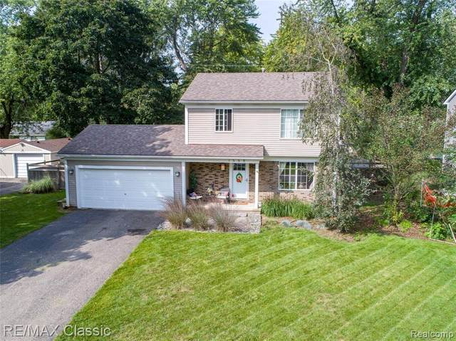 1558 Maddox St Street, West Bloomfield Twp, MI 48324 (#2210028005) :: Real Estate For A CAUSE