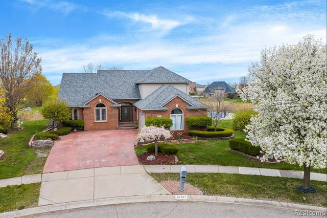 14327 Wayford Run, Shelby Twp, MI 48315 (#2210028056) :: Real Estate For A CAUSE