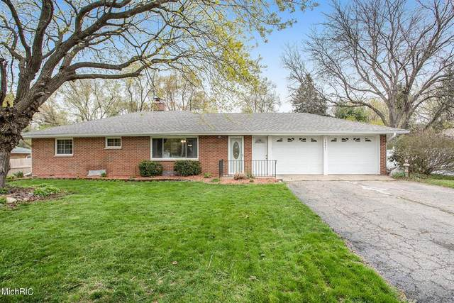 16601 E Augusta Drive, Ross Twp, MI 49012 (#66021013383) :: Real Estate For A CAUSE