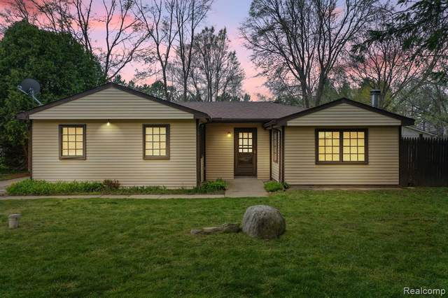 46399 Vineyard Avenue, Shelby Twp, MI 48317 (#2210028090) :: Real Estate For A CAUSE