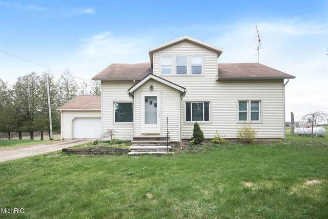8180 195th Avenue Avenue, Mecosta Twp, MI 49346 (#65021013480) :: NextHome Showcase