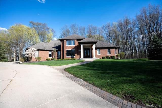 12650 Pebble Creek Drive, Plymouth Twp, MI 48170 (#2210028287) :: Real Estate For A CAUSE
