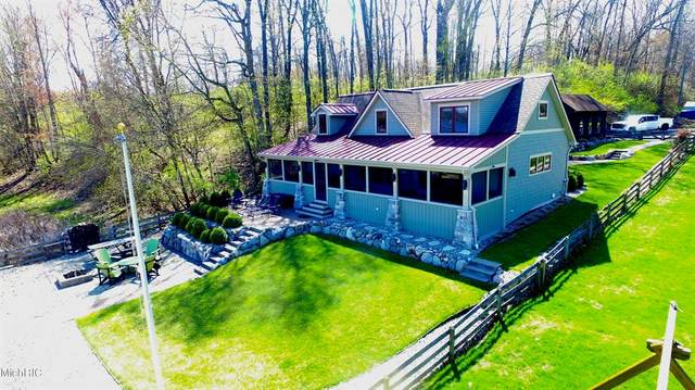11185 Elizabeth Drive, Fabius Twp, MI 49093 (#68021013584) :: Real Estate For A CAUSE