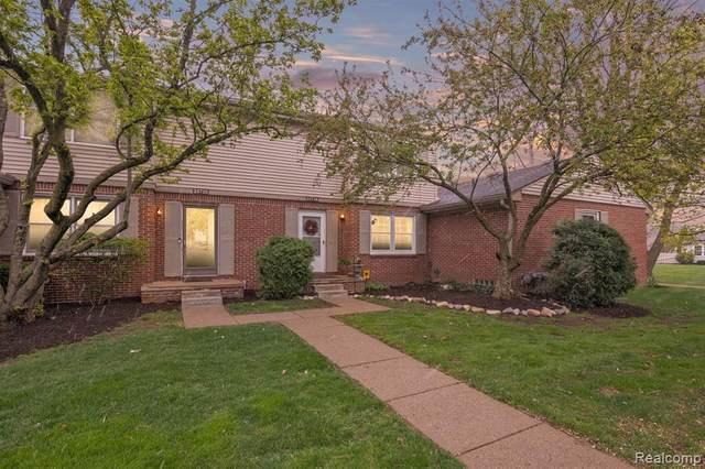 24718 Bashian Drive #30, Novi, MI 48375 (#2210028376) :: Duneske Real Estate Advisors