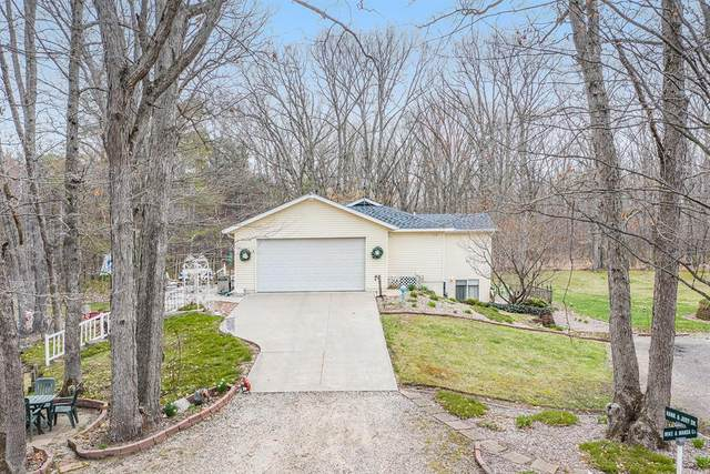 3194 Woodview Drive, Salem Twp, MI 49419 (#71021013640) :: Real Estate For A CAUSE