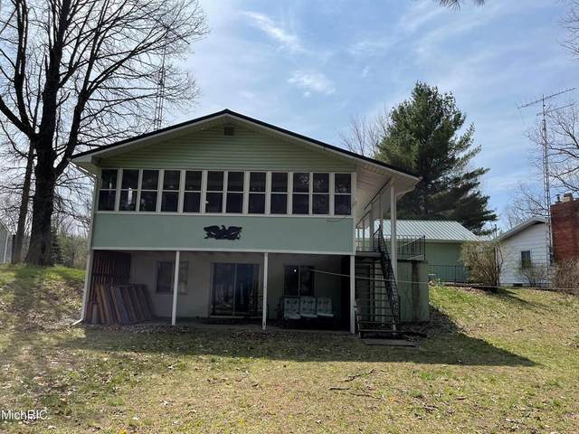 10158 S River Road, Evart Twp, MI 49631 (#72021013736) :: Real Estate For A CAUSE