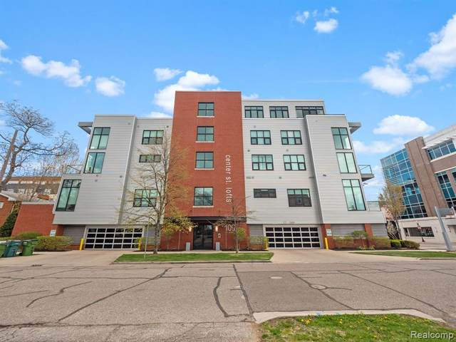 100 N Center Street #201, Royal Oak, MI 48067 (#2210028658) :: Keller Williams West Bloomfield