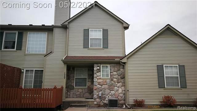 177 Barrington Circle, Orion Twp, MI 48360 (#2210028993) :: BestMichiganHouses.com